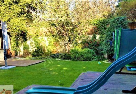 Levent Merkezde Yenilenmiş Masrafsız Bahcelı Lüks Villa - Çocuk Oyun Alanı