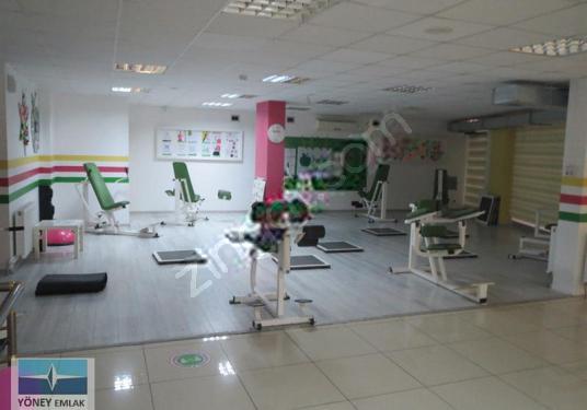 Pendik Sabri Taşkın Cadde Üzeri 328 m2 Satılık Köşe Dükkan - Spor Salonu