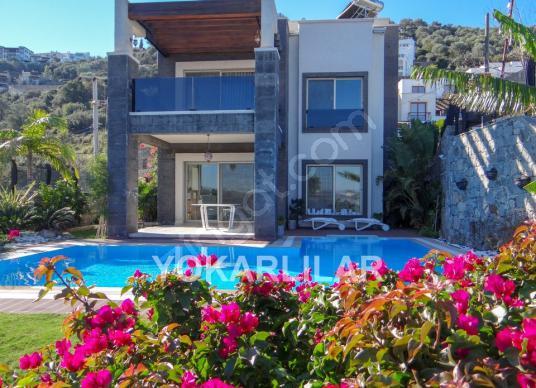 Yalıkavakta Sezonluk Kiralık Marina Manzaralı Müstakil Villa5244