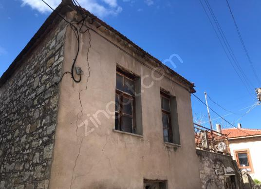 Urla Merkez'de Satılık Taş ev - Dış Cephe