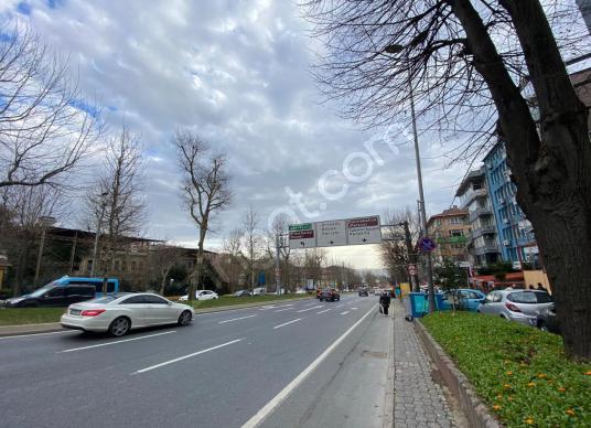 BARBAROS BULVARI'nda ABBASAĞA PARKI CEPHELİ 2+1 120m2 KÖŞE OFİS - Sokak Cadde Görünümü