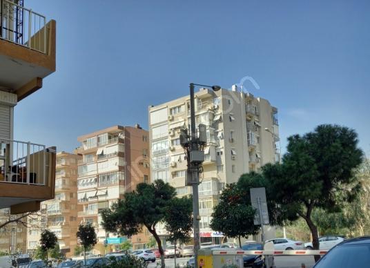 Izmir Amerikan Koleji Karşısı Otoparklı Daire - Sokak Cadde Görünümü
