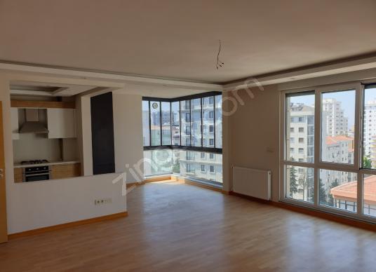 BOSTANCI ŞENESENEVLERDE 5+2 225 M² NET DUBLEKS DAİRE - Salon