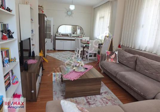 Beykoz, Ortaçeşme Mevkiin'de komple satılık Müstakil Bina - Salon