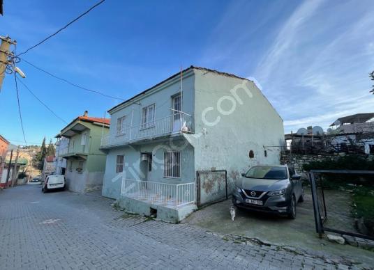 Urla Merkez'de Butik Oteller Bölgesinde Satılık Taş Ev - Sokak Cadde Görünümü
