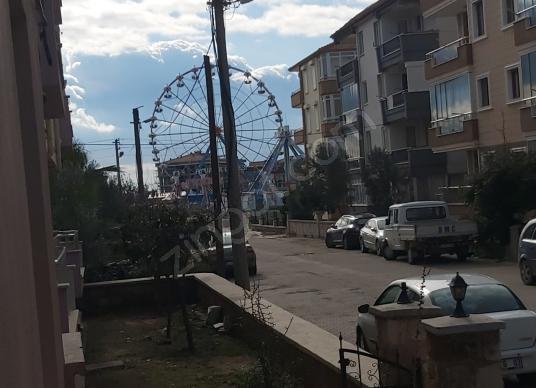 YAZLIK EMLAK'TAN SARIMSAKLI MERKEZDE YÜKSEK GİRİŞ AYRI MUTFAK - Sokak Cadde Görünümü
