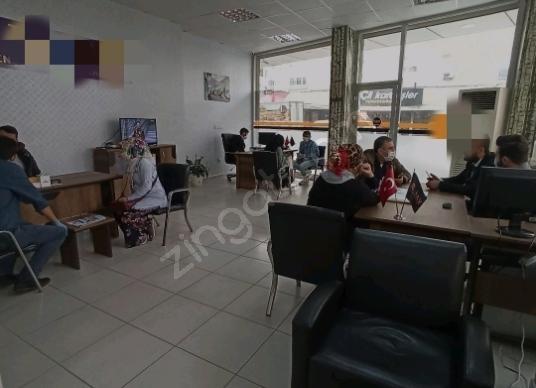 ANA CADDE ÜZERİ METROBÜSE 5 DAKİKA DEVREN EMLAK OFİSİ