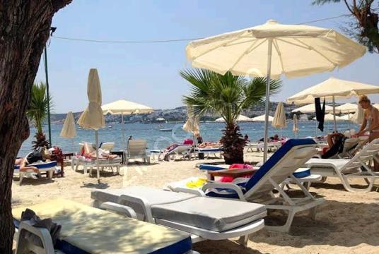 Bodrum Gümbet'te Denize Sıfır Satılık Turistik Arsa