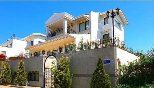 Mustafa Evci'den Bademli'de 7+2 Özel Yapım Satılık Villa - Dış Cephe