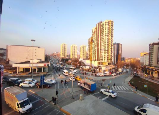 Remax Final'den Mahmutbey Metro Karşısı Kiralık İşyeri-Büro