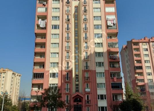 2+1 95 M2 B-5 Blok da ara kat Tuzla Mimar Sinan'da Satılık Daire - Dış Cephe