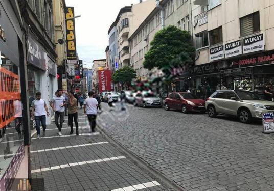 OĞUZHAN GAYRİMENKUL'DEN UZUN SOKAK'TA KOMPLE KİRALIK BİNA