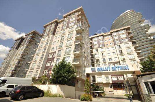 ROYAL'DEN SELVİ SİTESİ E-5 3_DK K.GARAJ-EBEVEYN 125m2 3+1 2.KAT!
