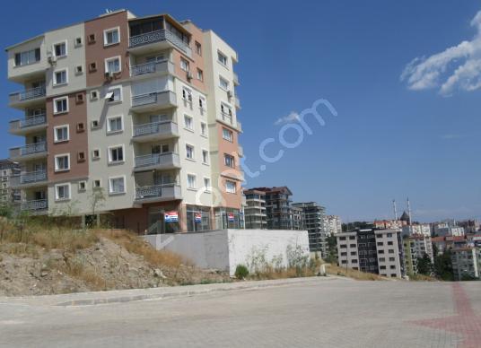 Esentepe'de Bacalı, 3 Cepheli, Deniz Manzaralı, Satılık Dükkan