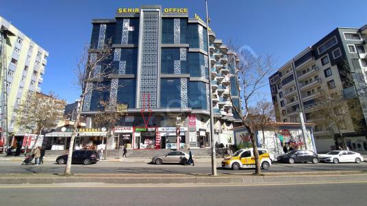 Ceylan Avm Civarı Kayapınar Cd. Üzeri Satılık 55 m² DÜKKAN