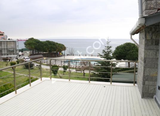 Beylikdüzü Kavaklı Mahallesinde Deniz Manzaralı Satılık Villa - Bahçe