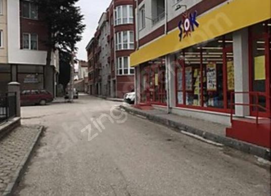 Tepebaşı'nda Satılık Kurumsal Kiracılı Dükkan - Sokak Cadde Görünümü