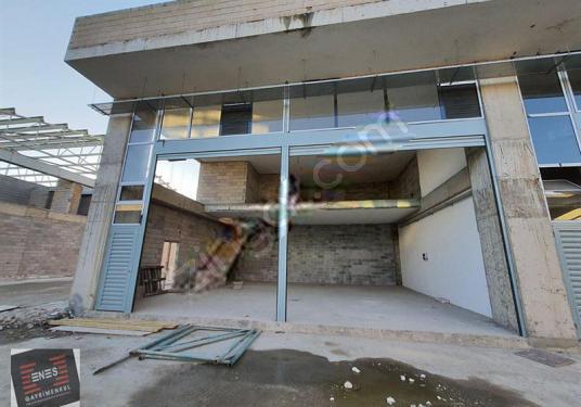 PENDİK SANAYİ' DE 180 m2 KİRALIK İMALATHANE - Balkon - Teras
