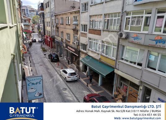 İSTANBUL ÜSKÜDAR MEYDANA 100mt KİRALIK 2+1 OFİS BÜRO - Sokak Cadde Görünümü