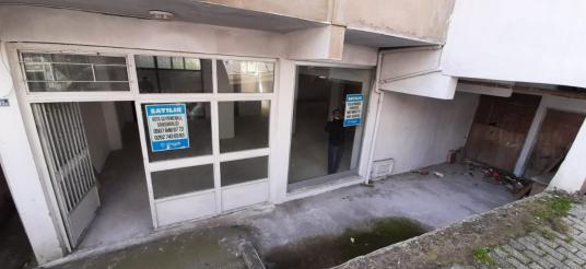 ÇAYIROVA MAH'DE 154 M2 SATILIK DÜKKAN - Balkon - Teras