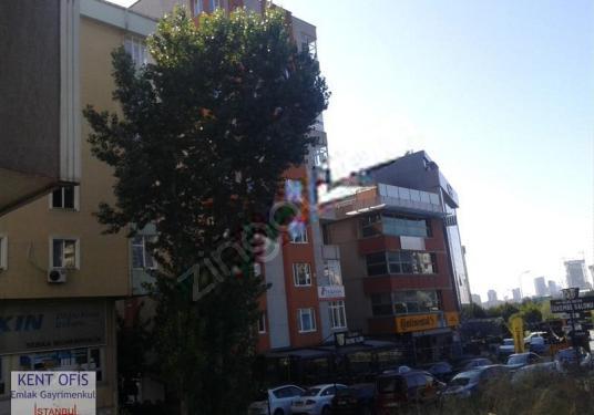 ATAŞEHIR YENIŞEHIR MAH. 3+1 BÜRO/OFIS 2.550 TL KAT=3 - Sokak Cadde Görünümü