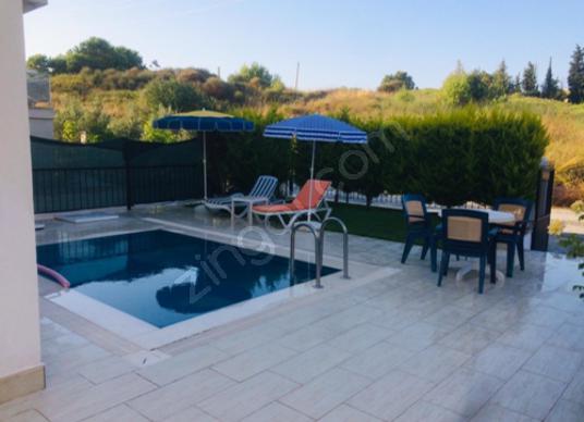 Kuşadası Soğucak'ta Günlük Kiralık Villa - Yüzme Havuzu