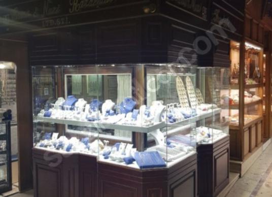 ARTVİN EMLAKTAN kapalı çarşının en değerli dükkanı