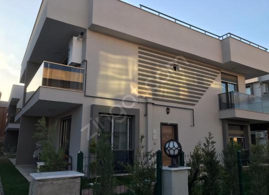 Menderes - Barbaros'da Muazzam Villa - Dış Cephe