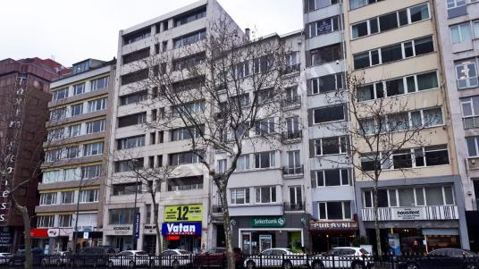 Cumhuriyet Caddesi Üzeri Satılık Ofis 2+1 Manzaralı Asansörlü
