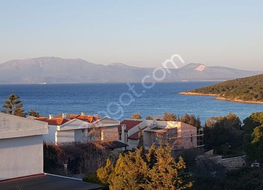 Çeşme Paşalimanı'nda Satılık 4+1 Havuzlu Deniz Manzaralı Villa - Manzara