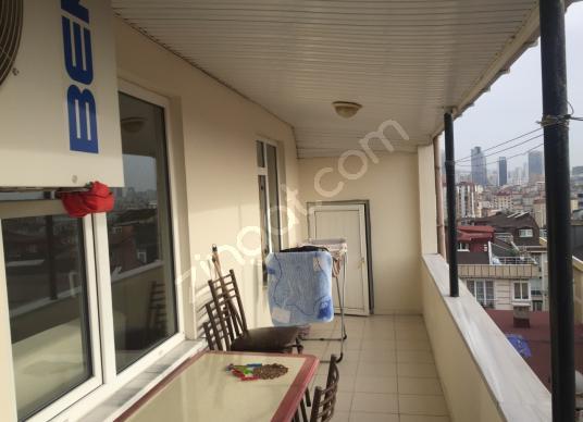 CUMHURİYET DE  5 KAT  4+1 ODA  HİSSELİ TAPU  DAİRE - Balkon - Teras