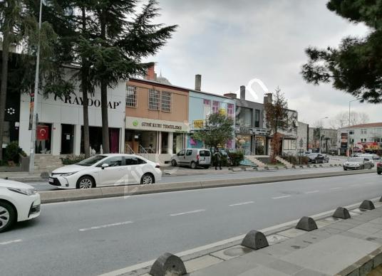 Güncel ilan Ana Cadde Üstünde Çok Merkezi bir yerde fırsat Villa - Sokak Cadde Görünümü
