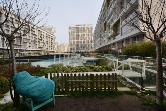 Soyak Evostar EŞYALI Kiralık 1+1 Bahçe Dubleks Havuz & Peyzaj mn - Site İçi Görünüm