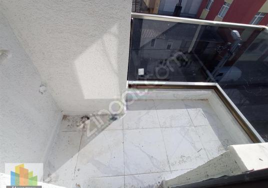 5A'DAN SIFIR COK KULLANIŞLI METROYA YÜRÜME MESAFESİNDE ARAKAT - Balkon - Teras