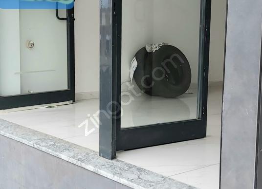Esenler Havaalanı'da Satılık Dükkan / Mağaza - Antre Hol