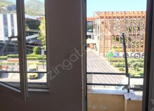 Fethiye Erasta AVM karşısında kiralık işyeri ofis - Balkon - Teras