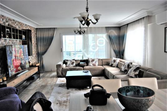 Karşıyaka Girne Bulv. Mükemmel Konum 3+1 Teraslı Satılık - Salon