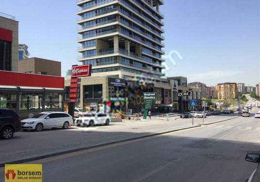 BORSEM'DEN ÇUKURAMBAR'DA ÖN CADDE ÜZERİNDE 3 KATLI 900 m2 DÜKKAN - Sokak Cadde Görünümü