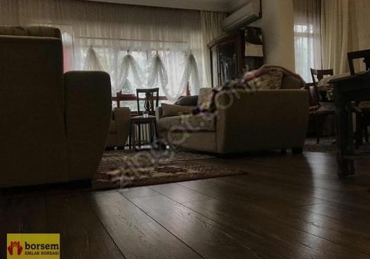 BORSEMDEN MEBUSEVLERİNDE ARA KAT ÖN CEPHE 4+1 FUL YAPILI ASANSÖR - Salon