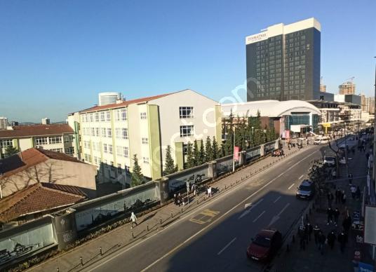 Alemdağ Caddesi Üzeri Yamanevler Metrosuna 1 Dakika Mesafede 2+1