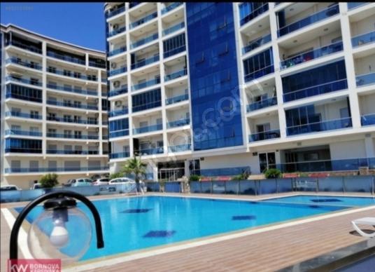 CEM TOPRAK'TAN DENİZ DOĞA VE HAVUZ MANZARALI 140 m2 3+1 SATILIK - Yüzme Havuzu