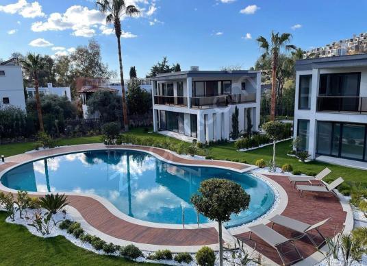 Bodrum Yalıkavak Gökçebel'de Denize 250 Mt 4+1 Satılık Villa - Yüzme Havuzu