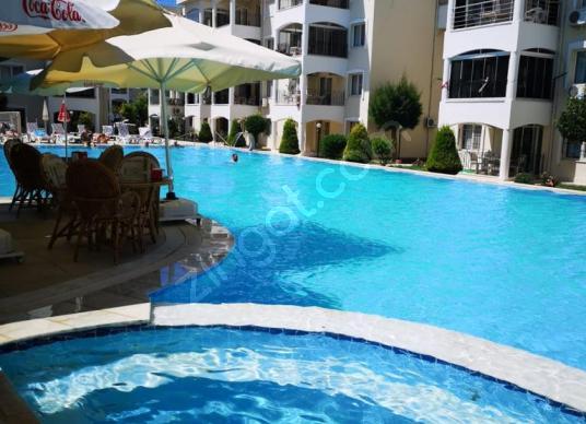 MUHTEŞEM KONUM ! MUHTEŞEM BİR SİTE ! GENİŞ 2+1 AYRI MUTFAK DAİRE - Yüzme Havuzu