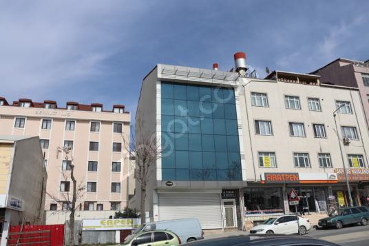 Arnavutköy Merkezde Kiralık Komple Plaza