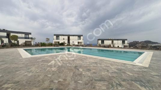 Bodrum Yalıkavak Dirmil'de Deniz Manzaralı Satılık 3+1 Dubleks - Yüzme Havuzu