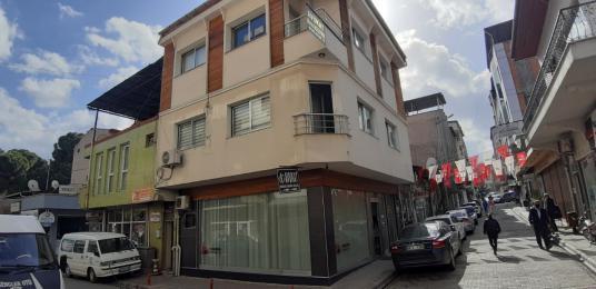 Alaşehir Hanlar Caddesinde Kurumsal Firmalara Kiralık Dükkan - Sokak Cadde Görünümü