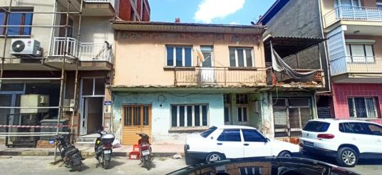 Alaşehir BeşEylül Mahallesinde Asri Fırın Arkasında Müstakil Ev