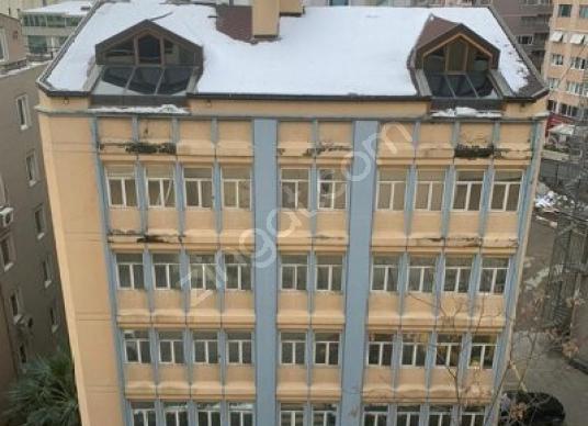 Gayrettepe de emniyet müdürlüğü karşısı cadde üzeri kiralık bina - Dış Cephe
