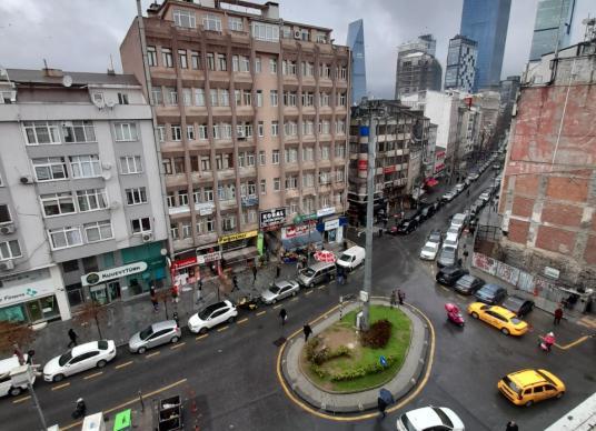 Zorlu Holding Yakını Satılık Ofis - Sokak Cadde Görünümü
