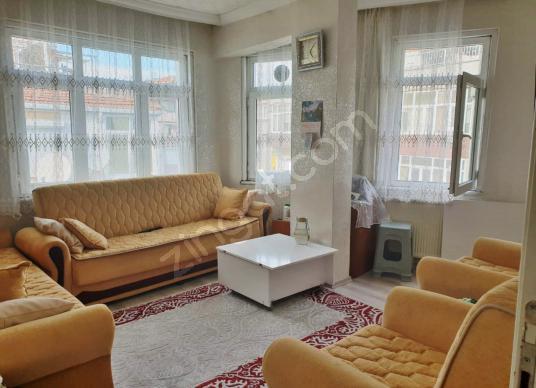 Nuripaşa, Marmaray'a Yakın, Çift Cepheli,2+1 Satılık Daire - Salon